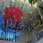 Landzeit dekoráció evőeszközökkel a plafonon tükörrel megbolondítva